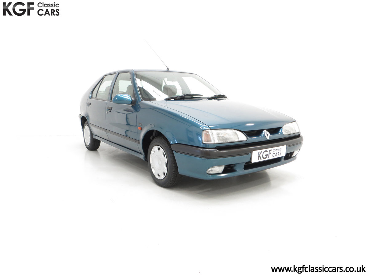 1994 A Preserved and Rare Renault 19 1.4 RT Auto with 17880 Miles For Sale (picture 1 of 6)
