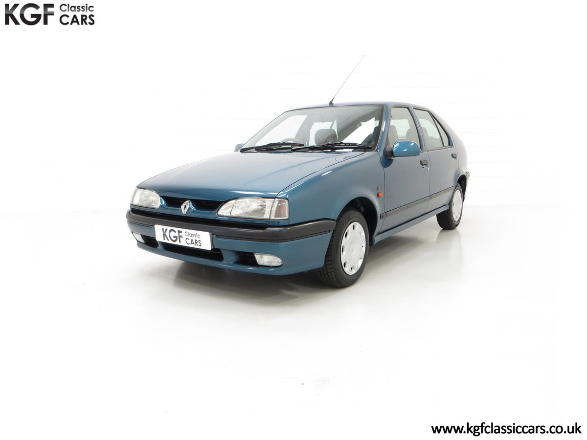 1994 A Preserved and Rare Renault 19 1.4 RT Auto with 17880 Miles For Sale (picture 2 of 6)