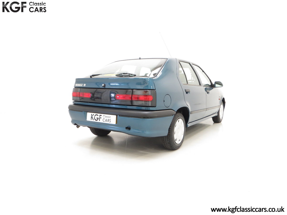1994 A Preserved and Rare Renault 19 1.4 RT Auto with 17880 Miles For Sale (picture 5 of 6)