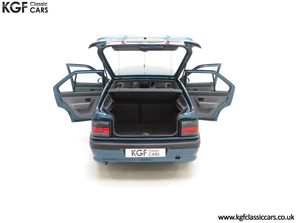 1994 A Preserved and Rare Renault 19 1.4 RT Auto with 17880 Miles SOLD (picture 11 of 24)