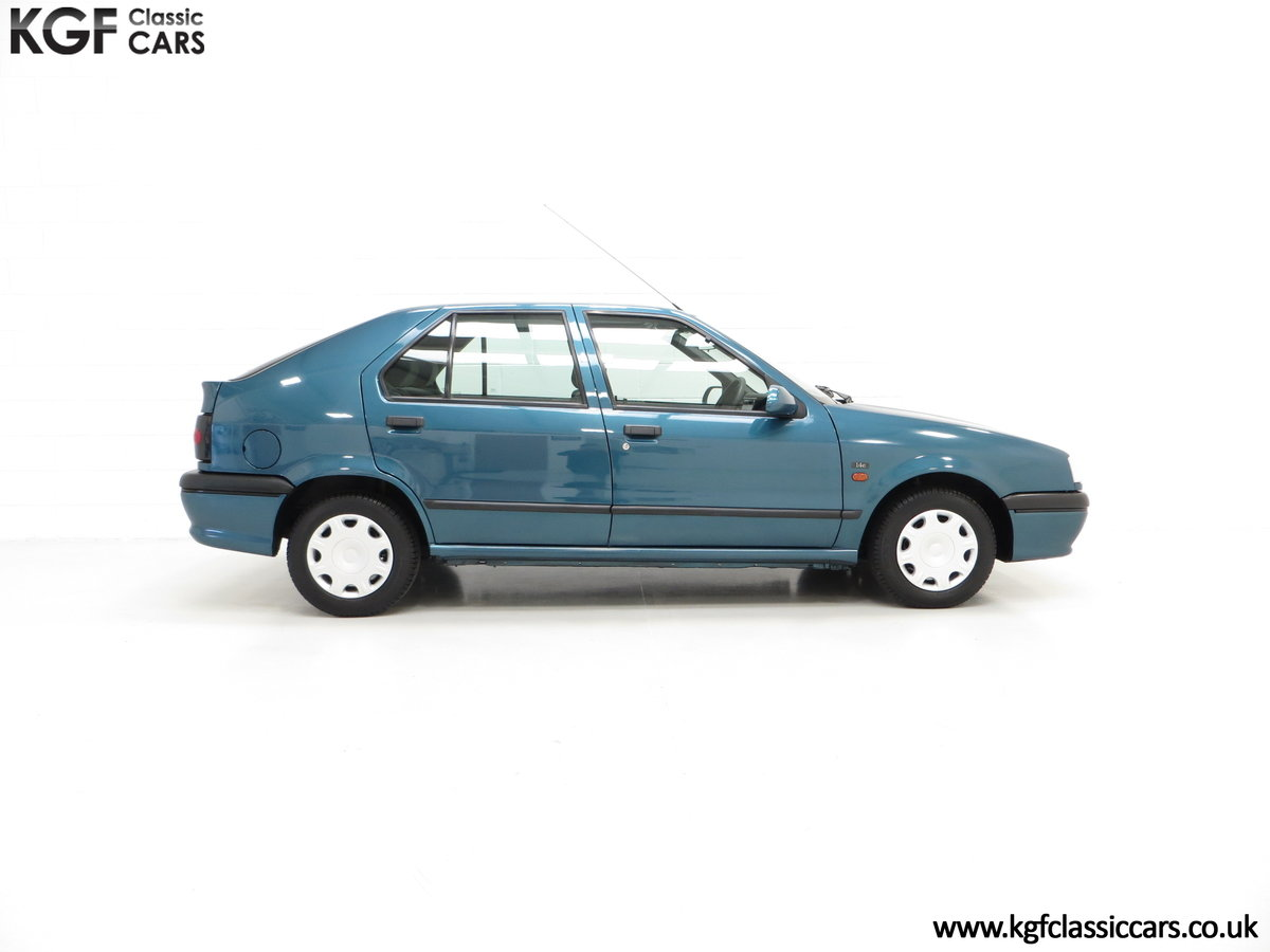 1994 A Preserved and Rare Renault 19 1.4 RT Auto with 17880 Miles SOLD (picture 14 of 24)