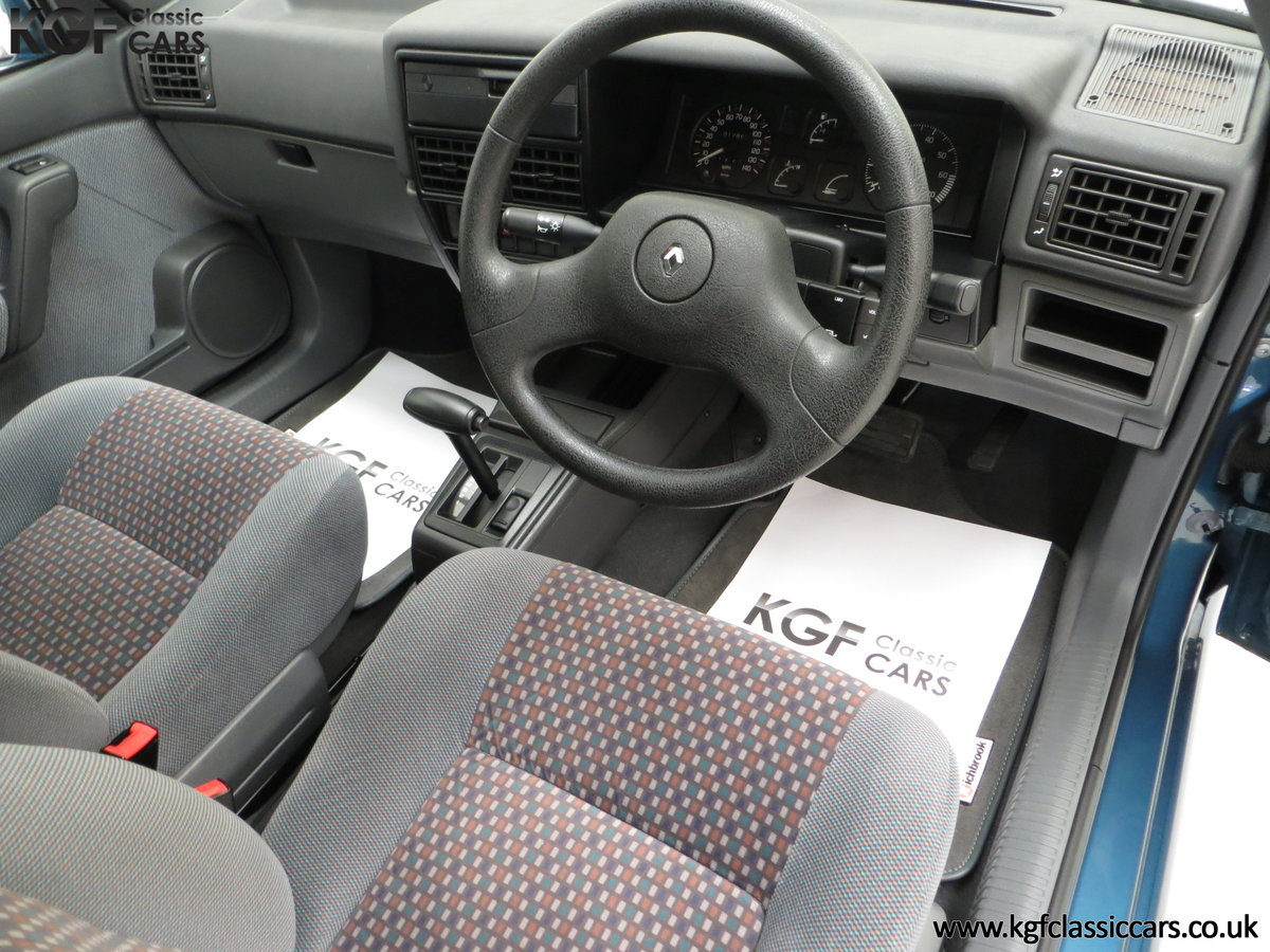 1994 A Preserved and Rare Renault 19 1.4 RT Auto with 17880 Miles SOLD (picture 17 of 24)