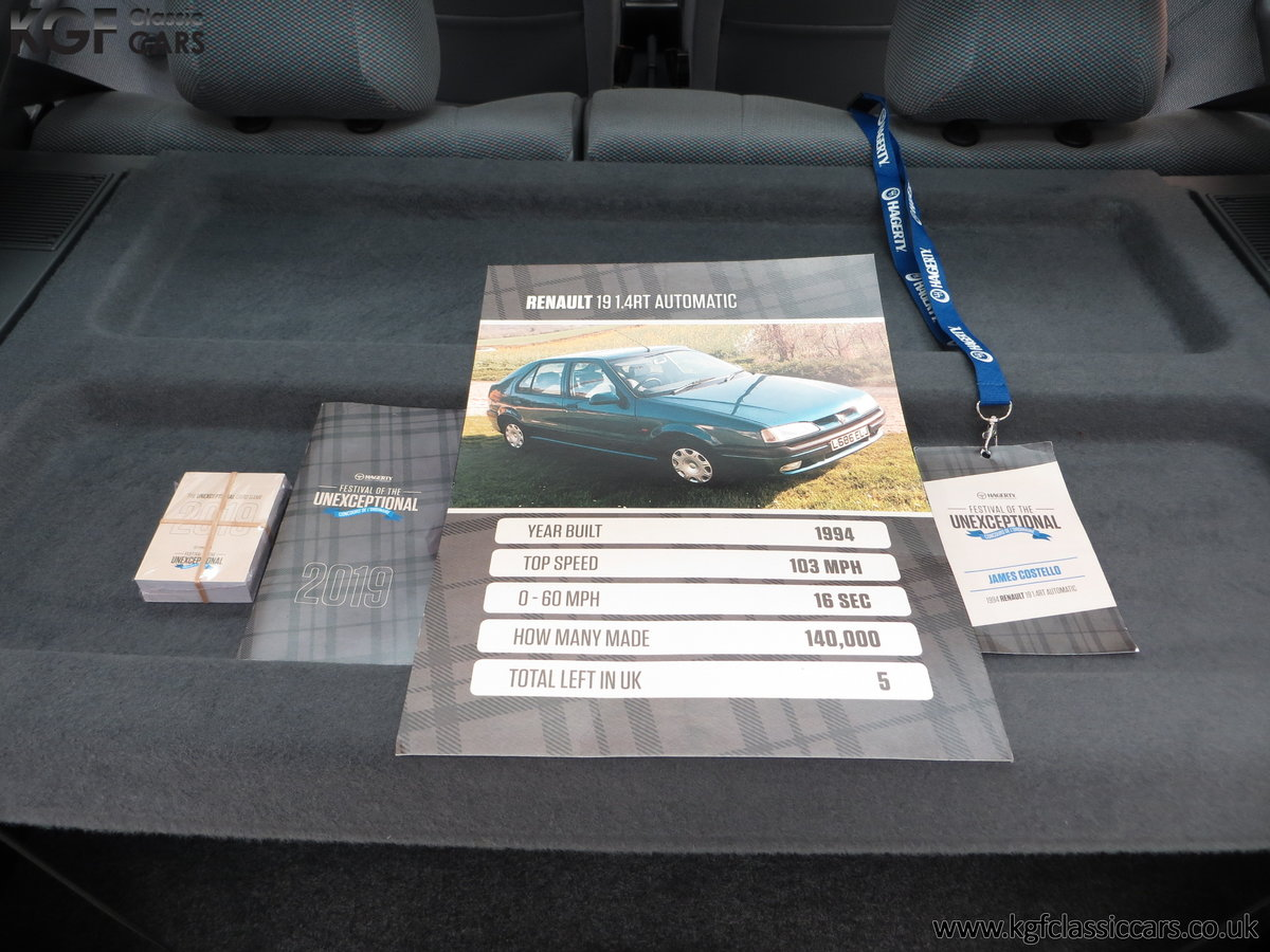 1994 A Preserved and Rare Renault 19 1.4 RT Auto with 17880 Miles SOLD (picture 23 of 24)
