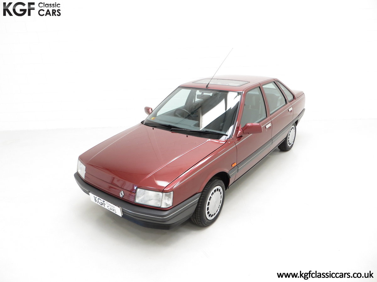 1988 A Renault 21 GTS Symphony with 16,027 Miles SOLD (picture 5 of 24)