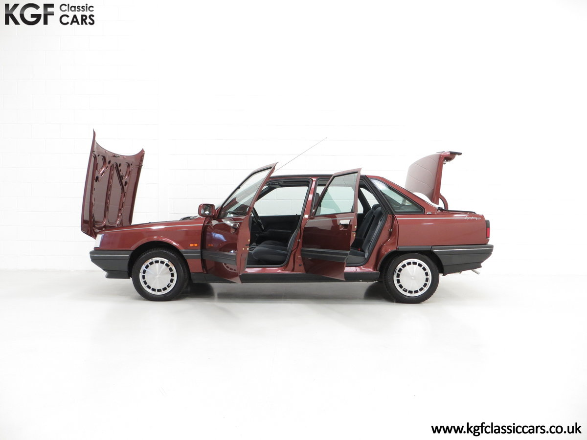1988 A Renault 21 GTS Symphony with 16,027 Miles SOLD (picture 7 of 24)
