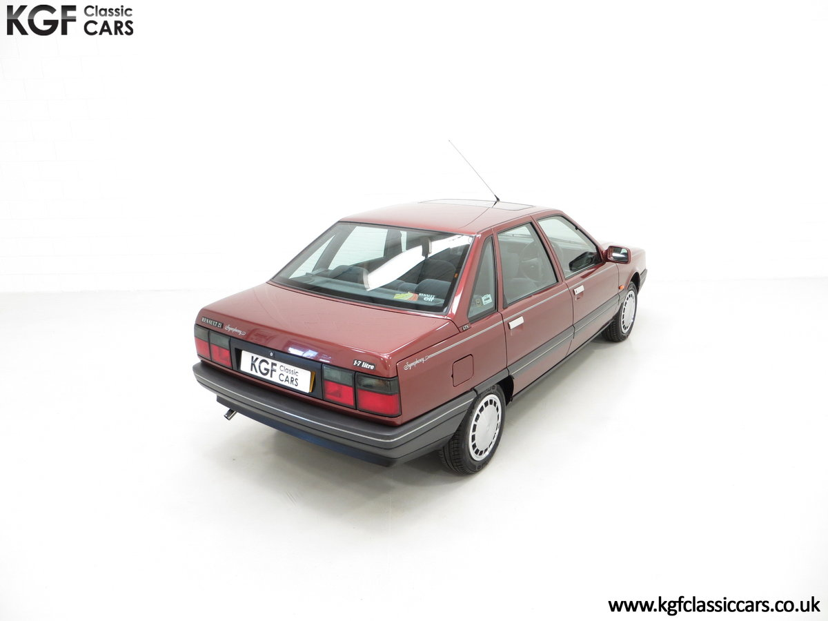 1988 A Renault 21 GTS Symphony with 16,027 Miles SOLD (picture 12 of 24)