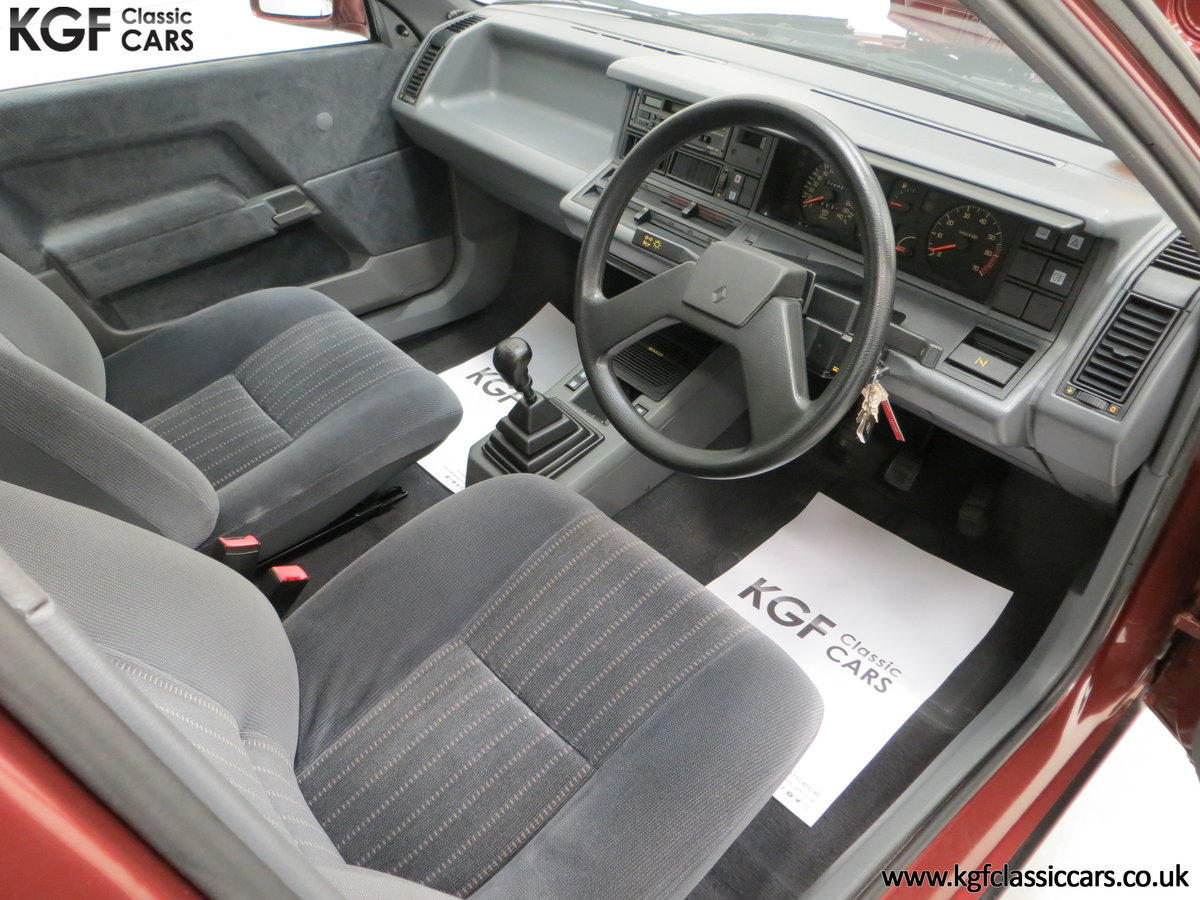 1988 A Renault 21 GTS Symphony with 16,027 Miles SOLD (picture 18 of 24)