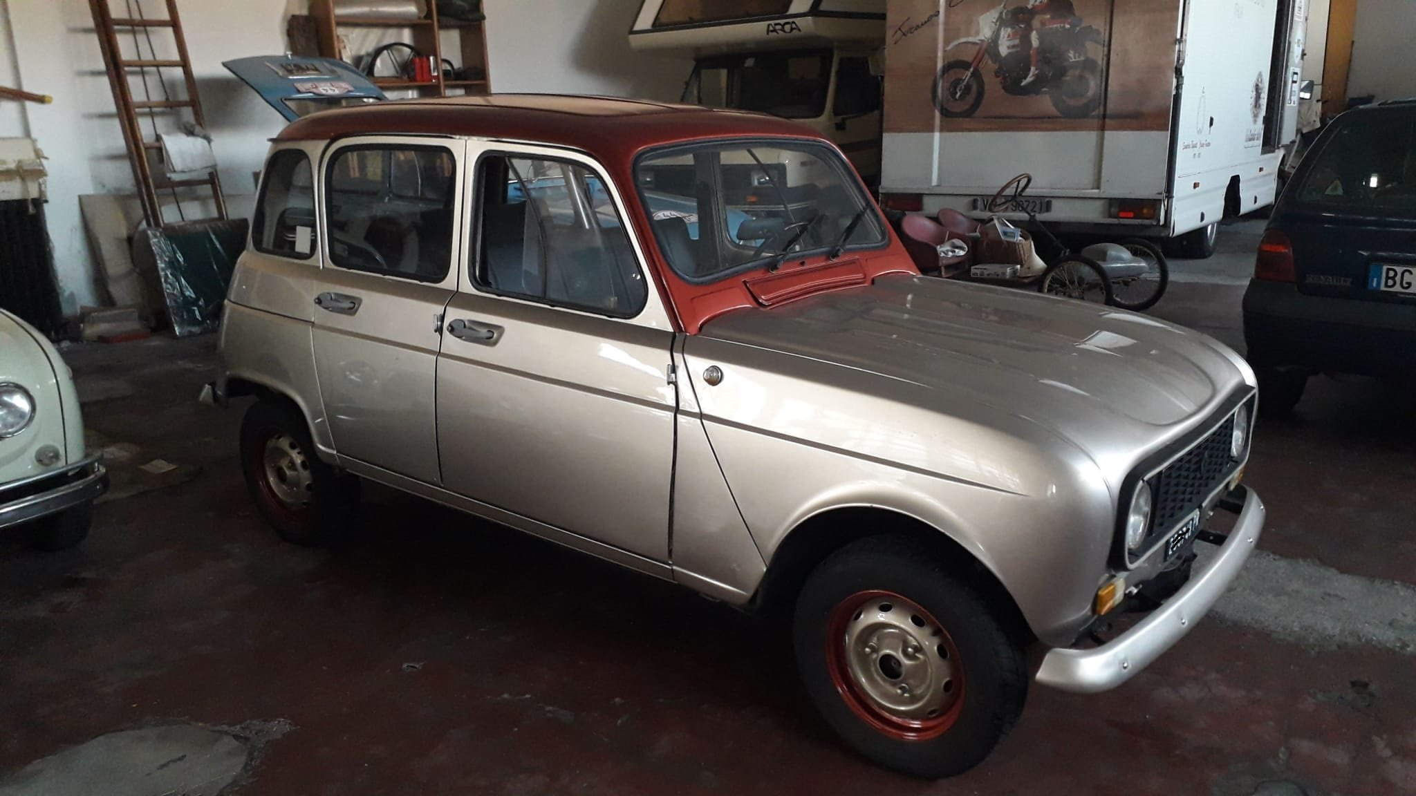 """1977 Renault R4 of famous singer """"Zucchero"""" For Sale (picture 4 of 5)"""