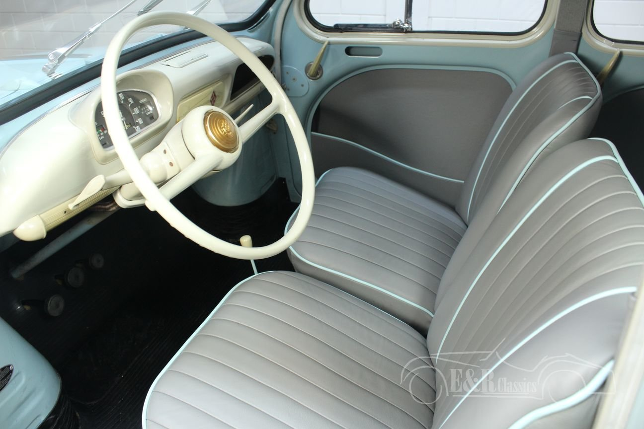 Renault 4CV 1957 Beautiful restored condition For Sale (picture 3 of 6)