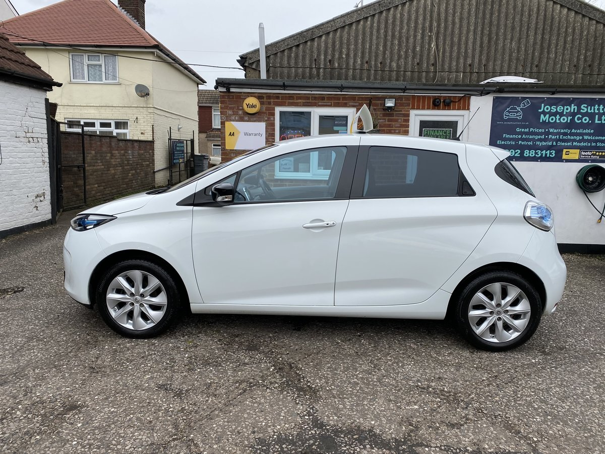 2015 Renault Zoe 22kWh Dynamique Intens Auto 5dr For Sale (picture 3 of 5)