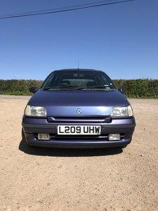 Retro Mk1 Renault Clio
