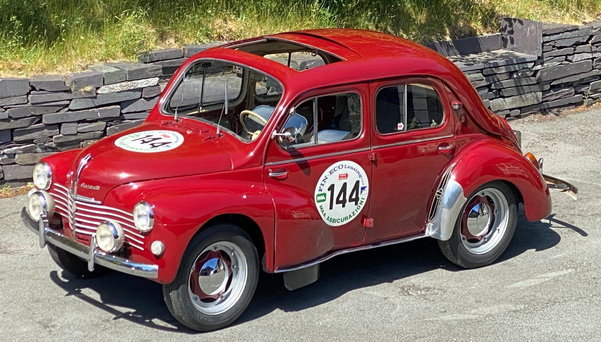 1951 Renault 4cv Grand Luxe For Sale (picture 1 of 6)