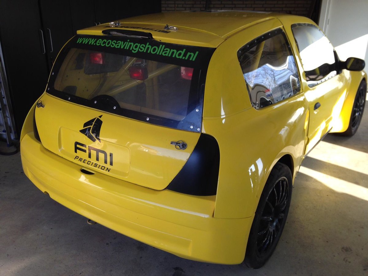 2002 Renault Clio Maxi Super 1600 FIA papers. For Sale (picture 1 of 6)
