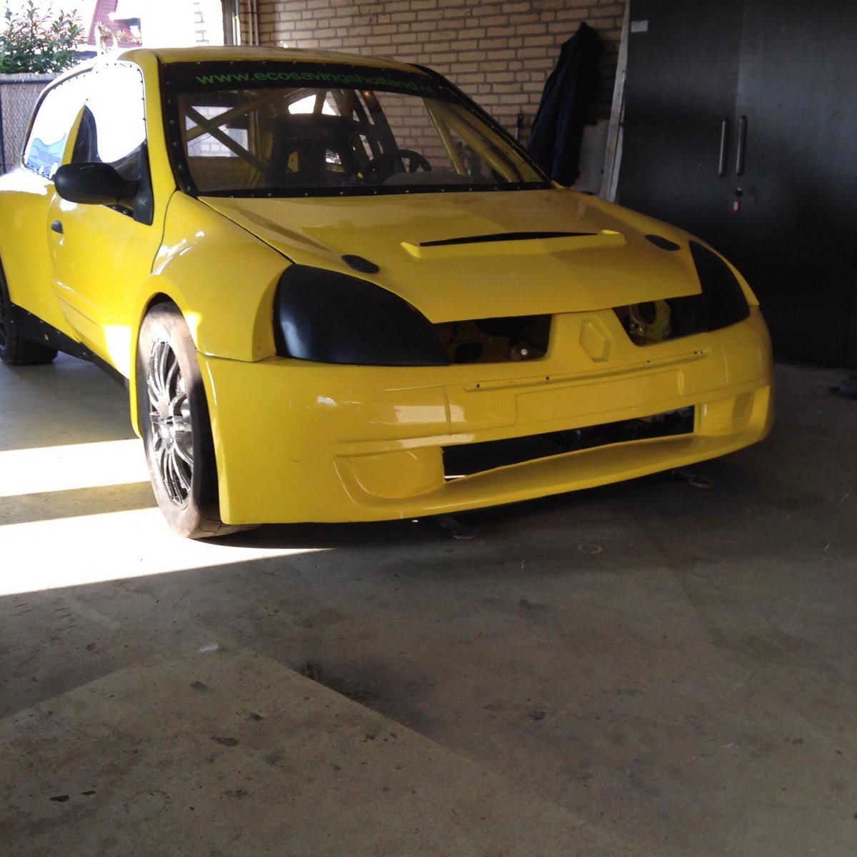 2002 Renault Clio Maxi Super 1600 FIA papers. For Sale (picture 2 of 6)