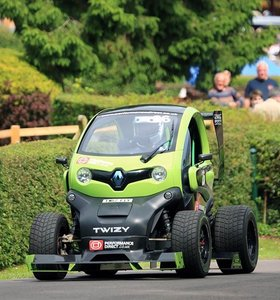Renault Twizy. 1 of 5 limited edition F1 by OAKLEY DESIGN