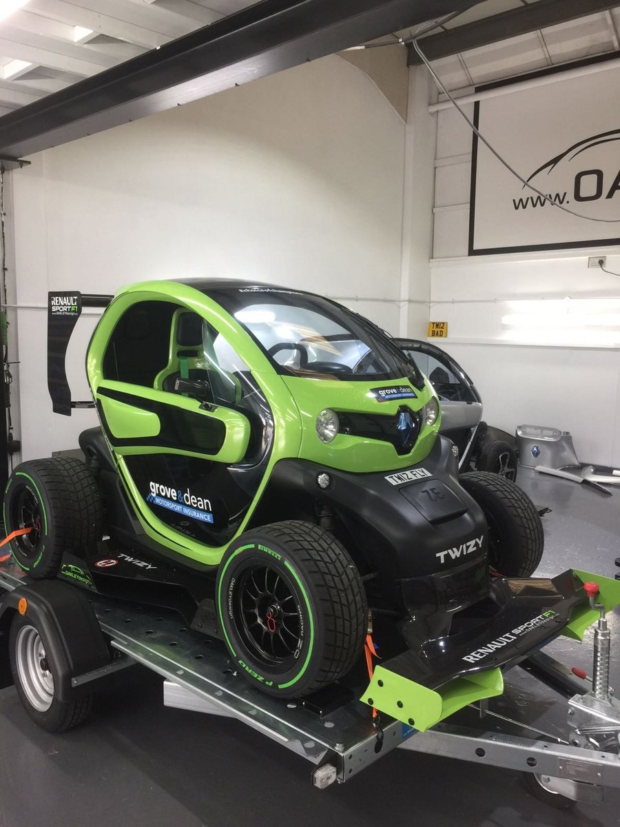 2012 Renault Twizy. 1 of 5 limited edition F1 by OAKLEY DESIGN For Sale (picture 5 of 6)