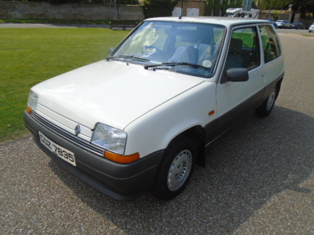 1989 Renault 5 1.4 Auto, 40000 miles, Power steering.  For Sale (picture 2 of 6)