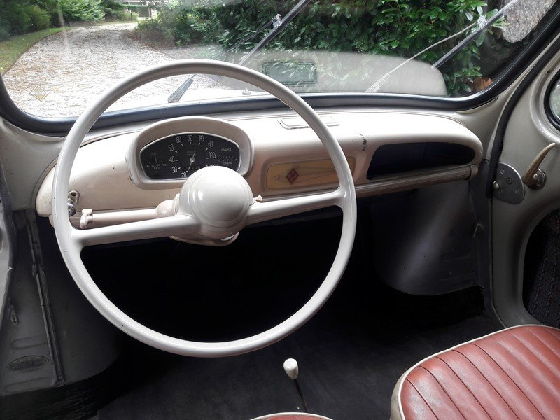RENAULT 4CV 1960  BEAUTIFUL CAR 8950 EURO SOLD (picture 4 of 6)