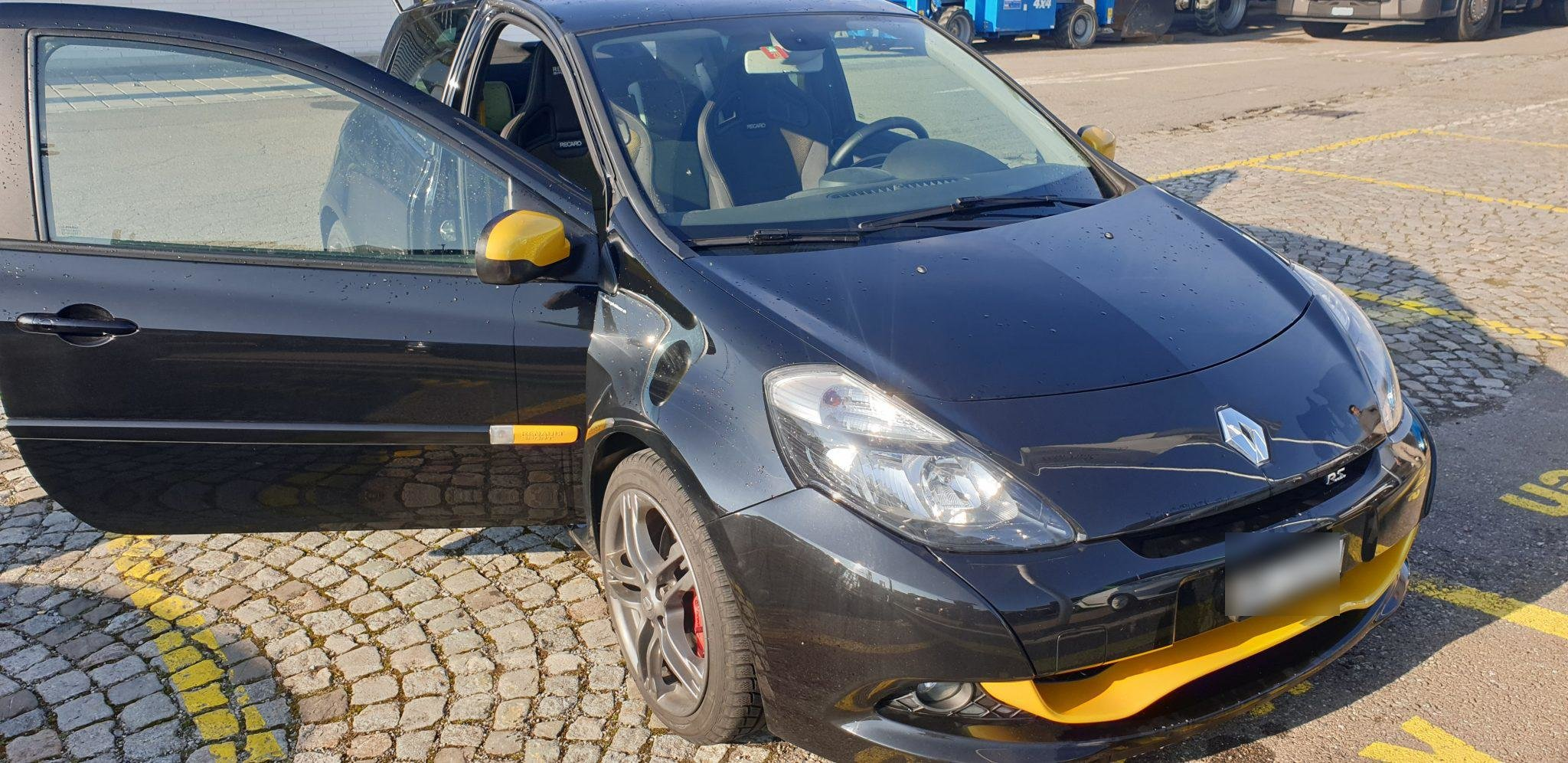 2012 Renault Clio For Sale (picture 1 of 6)