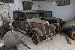 1933 Renault Monaquatre YN2 berline - No reserve
