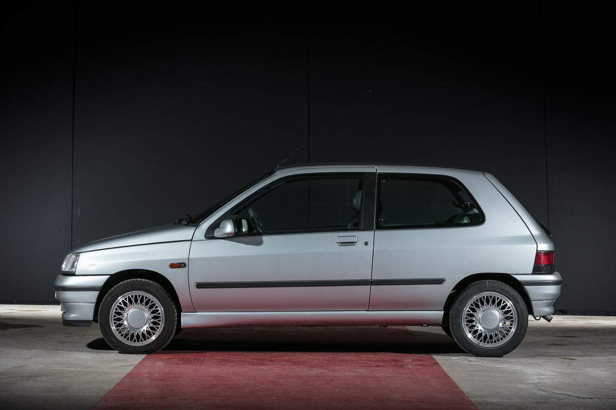 1992 Renault Clio Baccara - No reserve For Sale by Auction (picture 2 of 6)