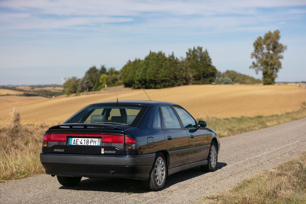 1992 Renault Safrane V6 Baccara For Sale by Auction (picture 2 of 6)