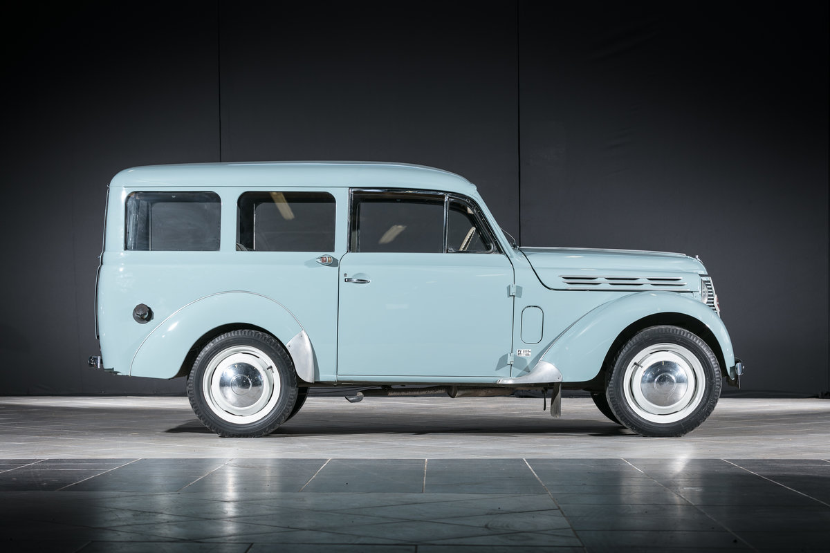 1957 Renault Juvaquatre Dauphinoise - No reserve For Sale by Auction (picture 2 of 6)