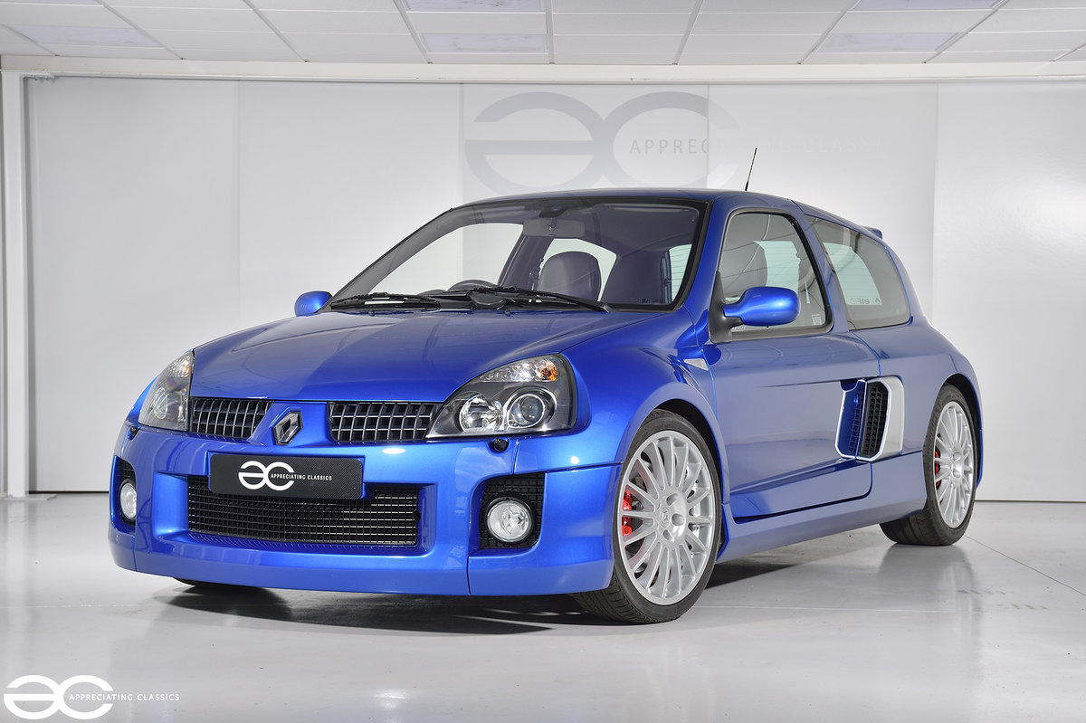 2005 Phase 2 Clio V6 - 19K Miles - Fresh Belt Service  For Sale (picture 2 of 6)