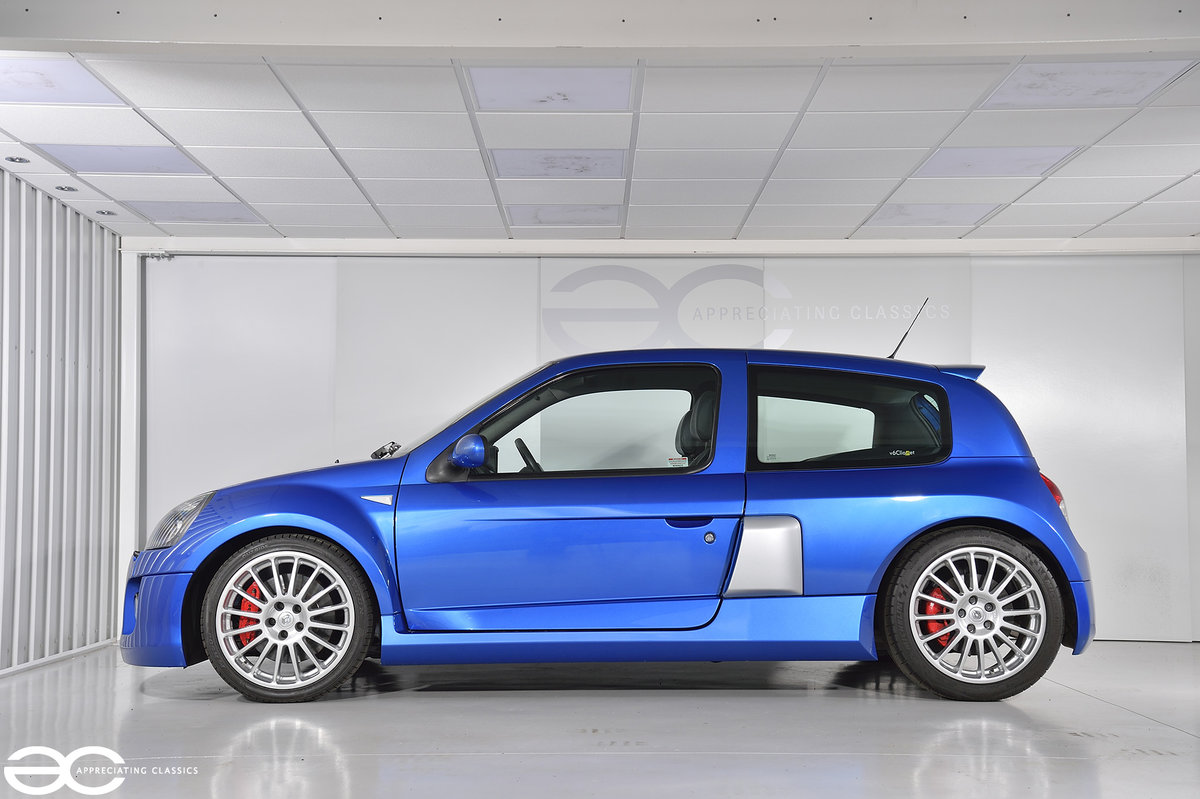 2005 Phase 2 Clio V6 - 19K Miles - Fresh Belt Service  For Sale (picture 3 of 6)