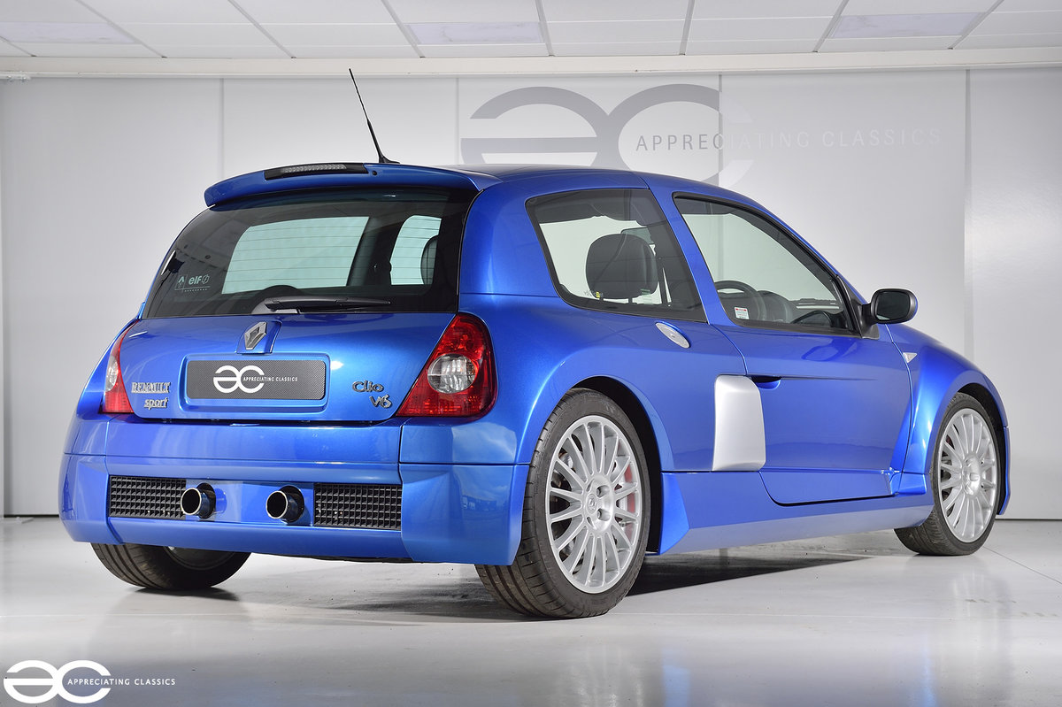 2005 Phase 2 Clio V6 - 19K Miles - Fresh Belt Service  For Sale (picture 4 of 6)