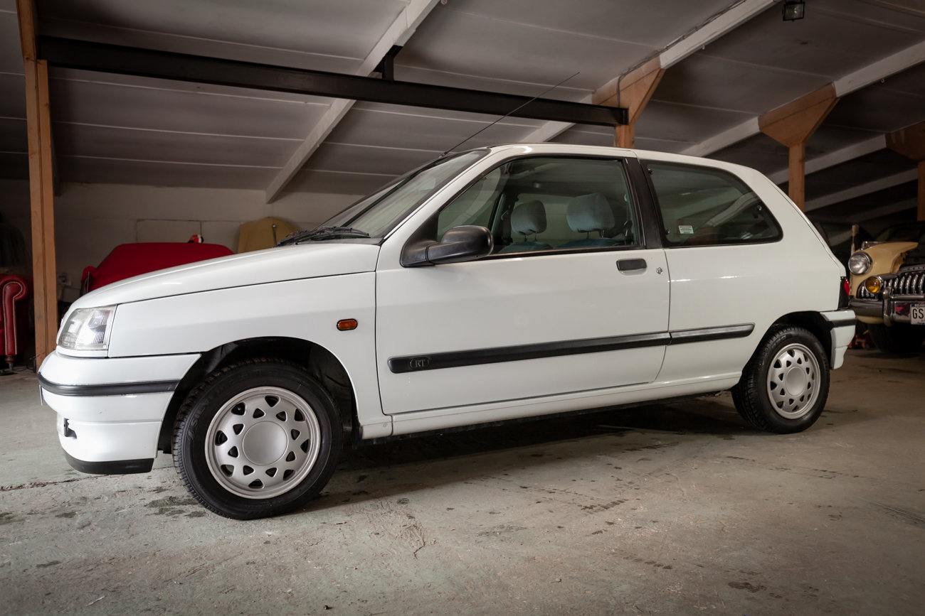 1996 Renault Clio  MK1 1.4 RT Auto LOW MILEAGE For Sale (picture 1 of 16)