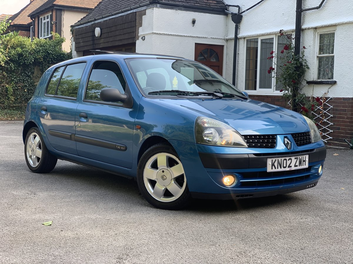 2002 Renault Clio 1.4i 16v privilege A/c sunroof SOLD (picture 1 of 6)