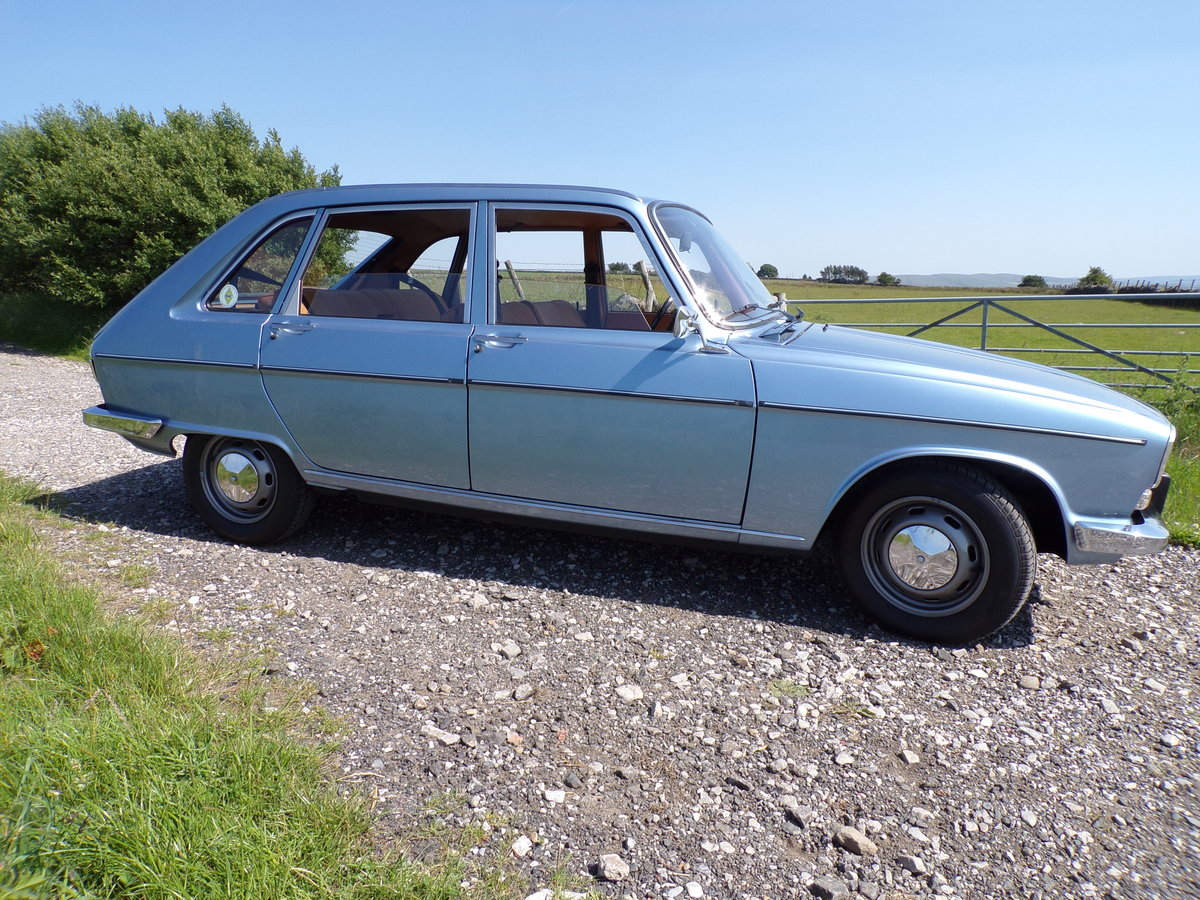 1976 Rare, RHD U.K. registered car. SOLD (picture 2 of 6)