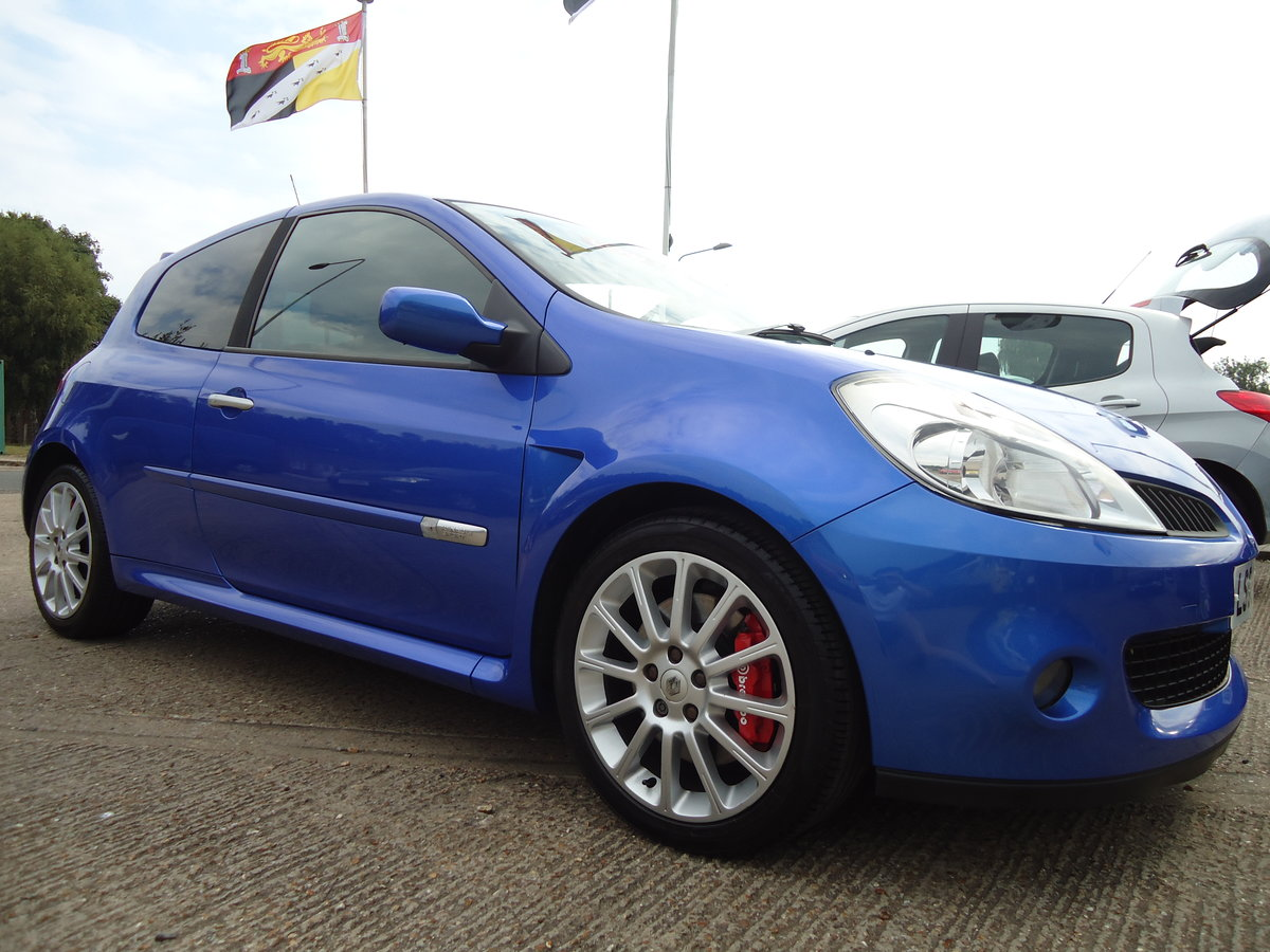 0656 LOW MILEAGE CLIO RENAULTSPORT For Sale (picture 1 of 5)