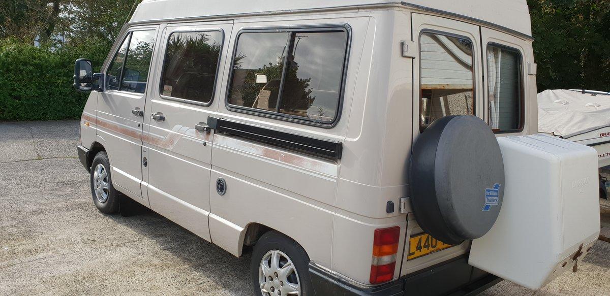 1993 Holdsworth renault 2 berth campervan For Sale (picture 1 of 6)