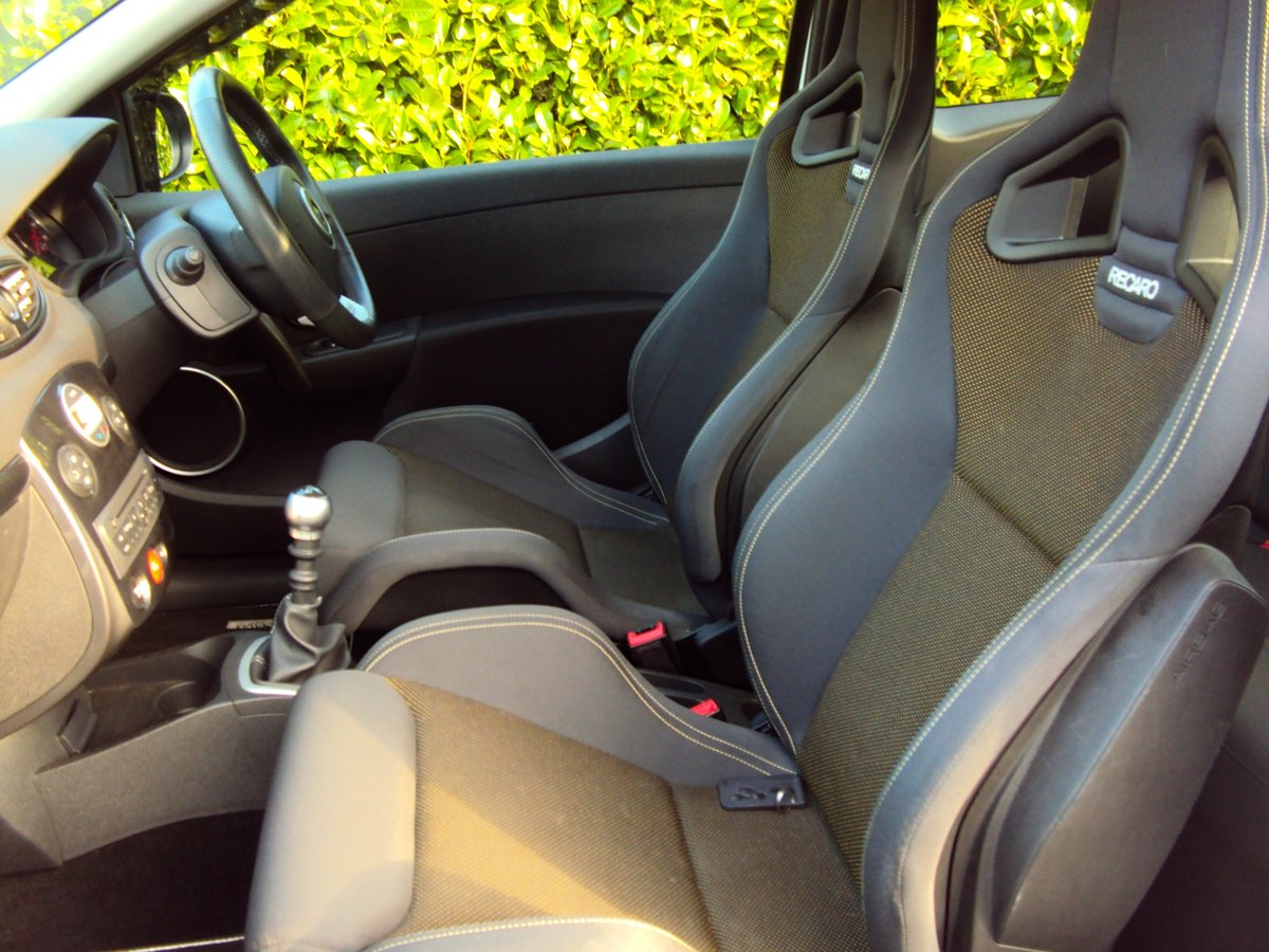 2011 A STUNNING & RARE Pearl White Clio 200 with RECARO'S!!  For Sale (picture 6 of 6)