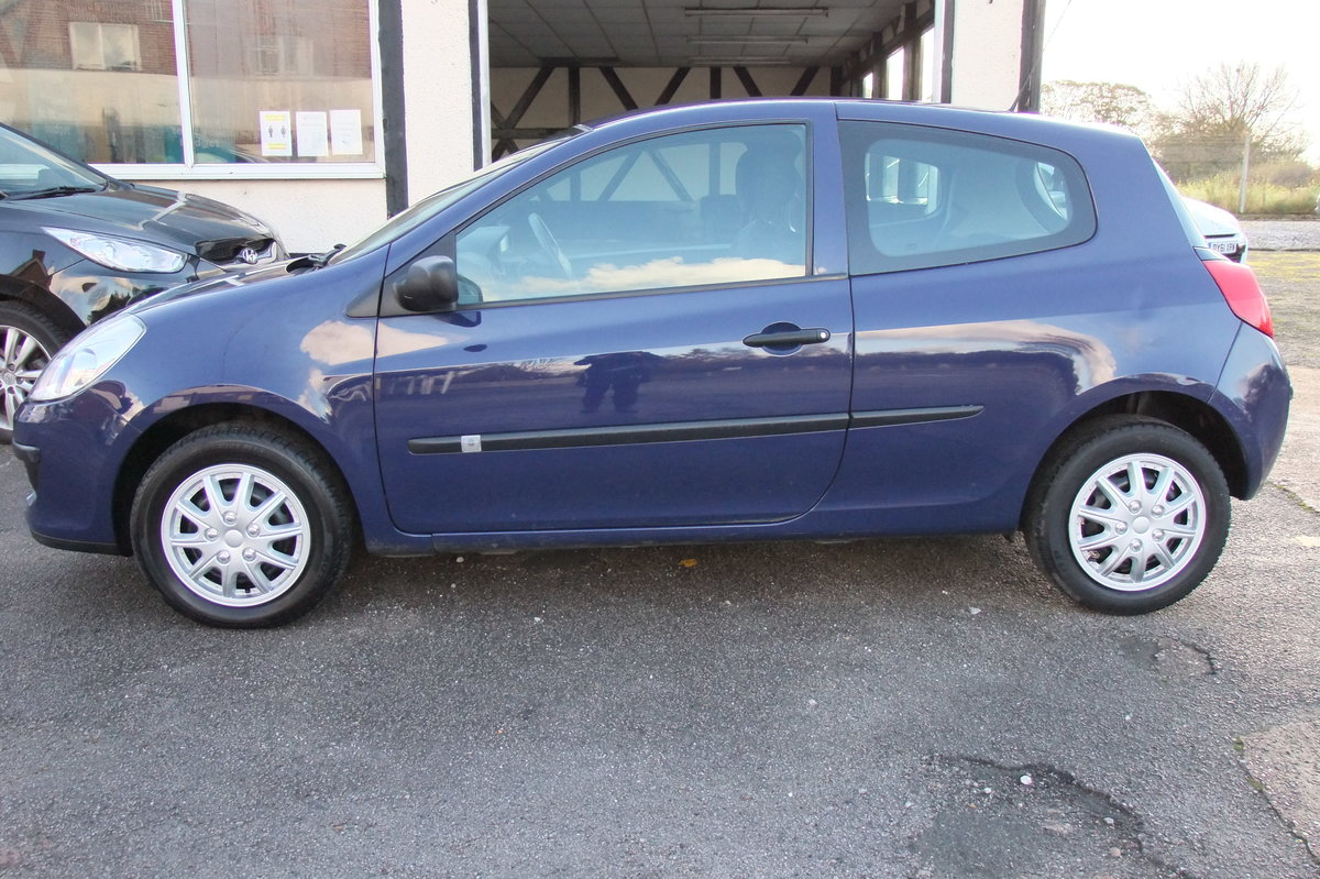 2008 RENAULT CLIO 1.1 EXTREME 16V 3DR For Sale (picture 2 of 6)