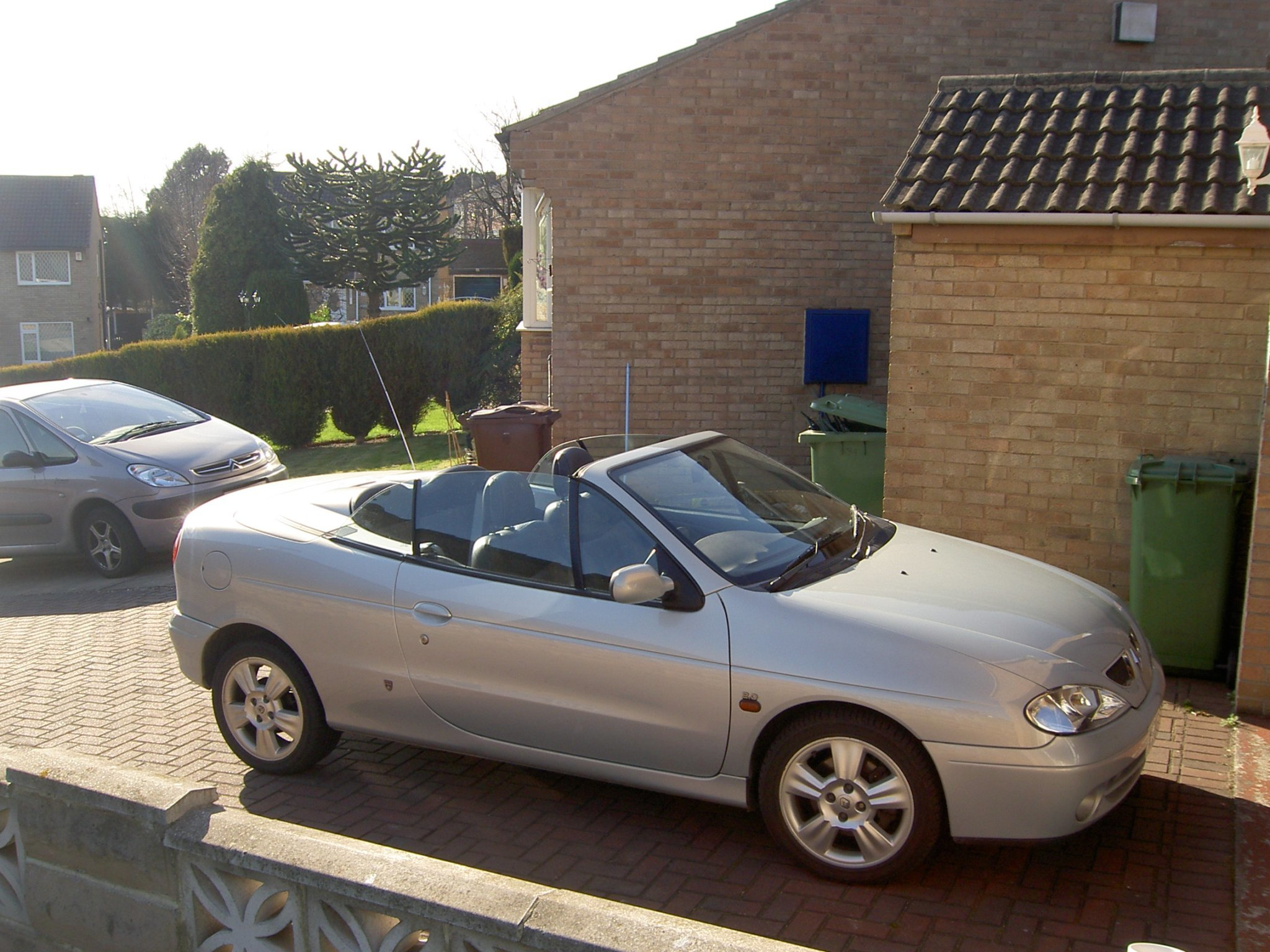 Picture of 2002 2000cc Renault Megane Convertable For Sale