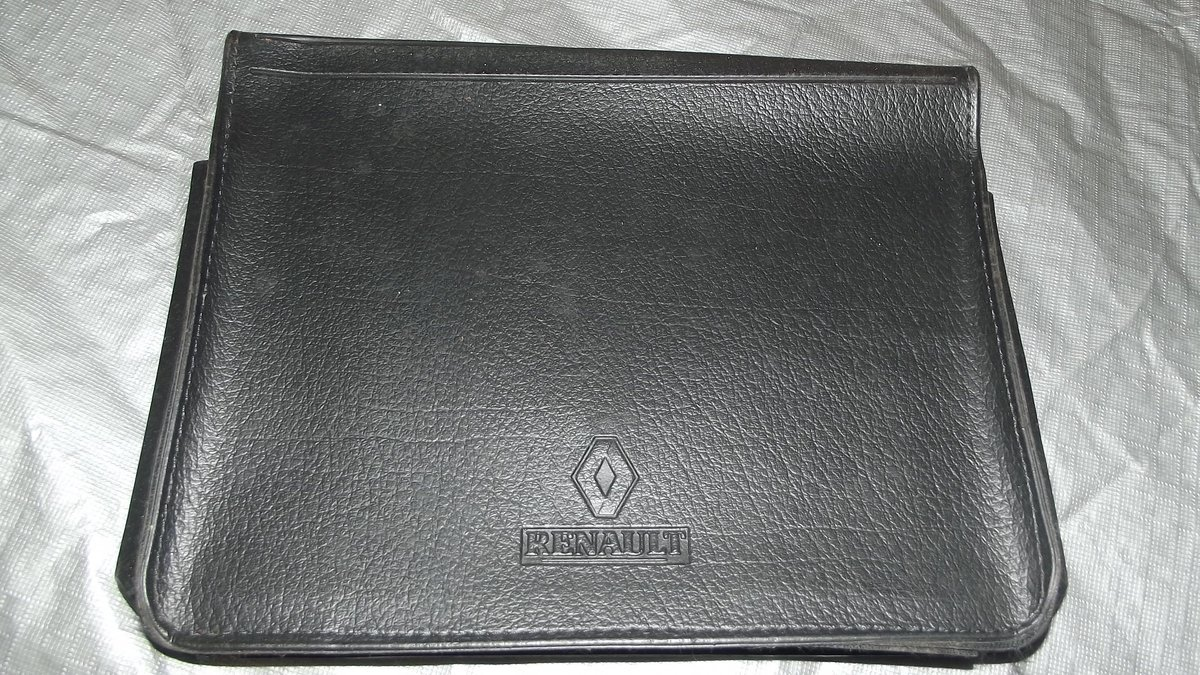 0000 RENAULT MEMORABILIA FOR SALE - OFFERS For Sale (picture 1 of 8)