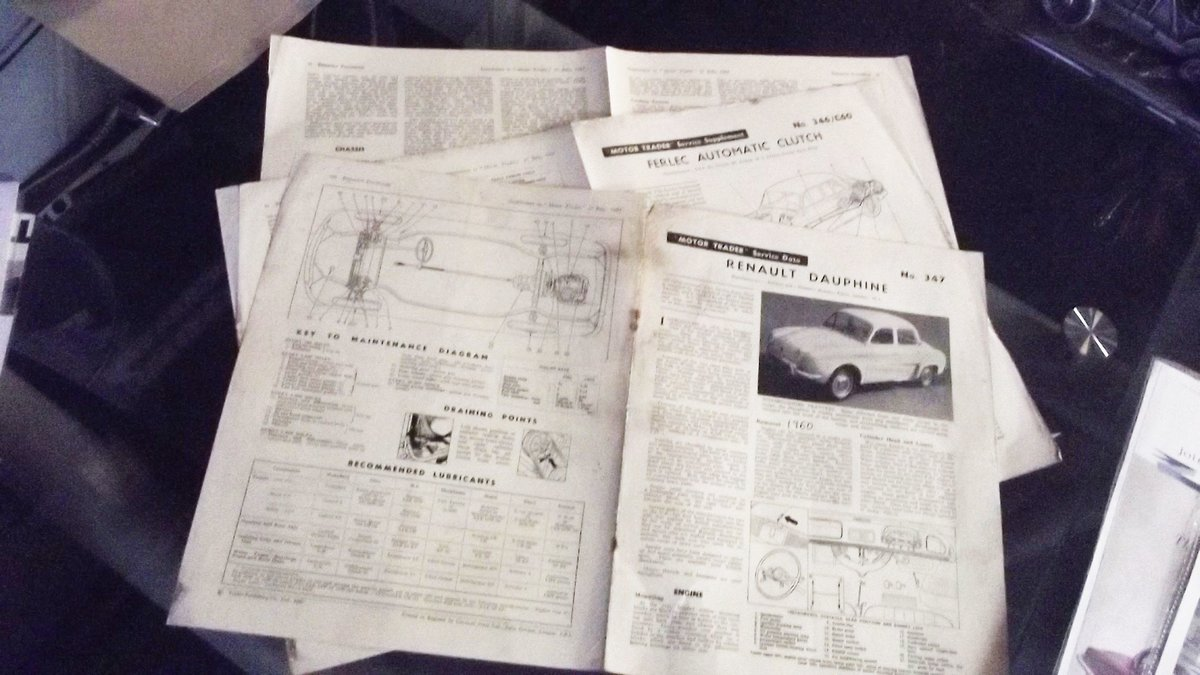 0000 RENAULT MEMORABILIA FOR SALE - OFFERS For Sale (picture 3 of 8)