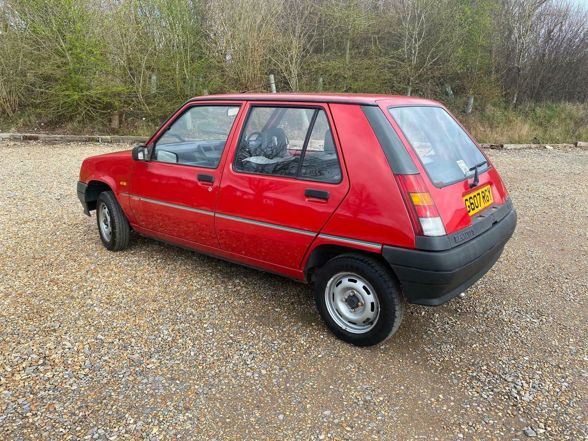 A Charmingly Beautiful 1989 Renault 5 Campus, 68,000 Miles For Sale (picture 4 of 10)
