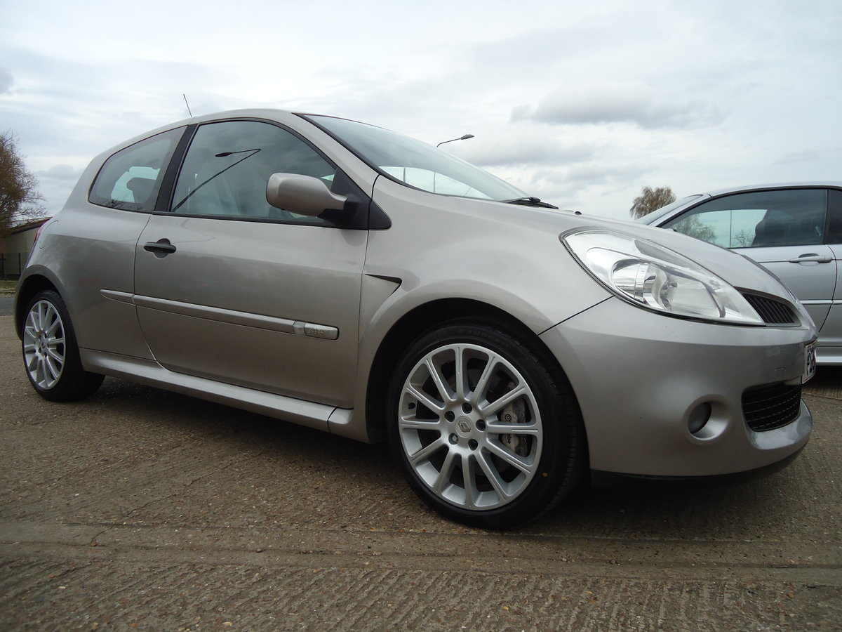 0757 LOW MILEAGE CLIO RENAULTSPORT For Sale (picture 1 of 8)