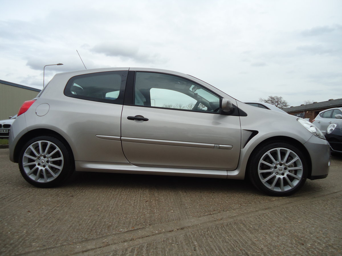 0757 LOW MILEAGE CLIO RENAULTSPORT For Sale (picture 3 of 8)