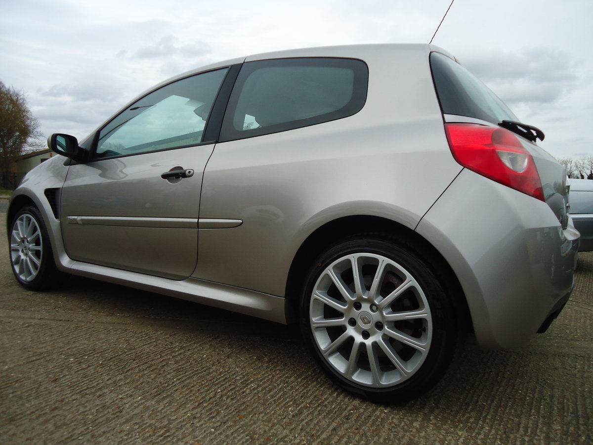 0757 LOW MILEAGE CLIO RENAULTSPORT For Sale (picture 4 of 8)
