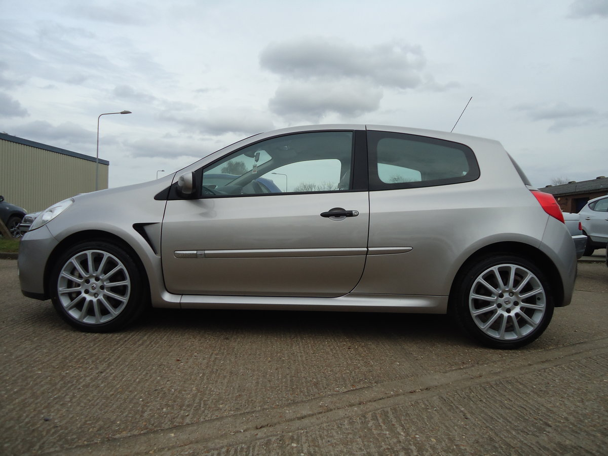 0757 LOW MILEAGE CLIO RENAULTSPORT For Sale (picture 7 of 8)
