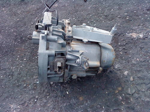 CLIO WILLIAMS 16V -  5 SPEED  GEARBOX For Sale (picture 1 of 6)