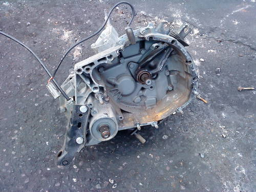 CLIO WILLIAMS 16V -  5 SPEED  GEARBOX For Sale (picture 2 of 6)