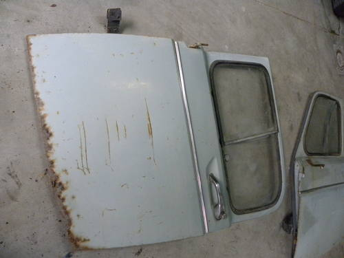 Renault 2CV FIRST SERIES DOORS AND OTHER For Sale (picture 4 of 6)