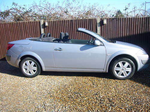 MEGANE DCI CONVERTIBLE , 2006-55, 6 SPEED For Sale (picture 1 of 6)
