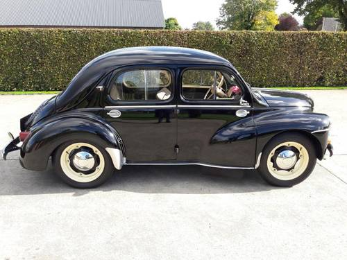RENAULT 4CV 1954 BLACK TOP CAR,VERY ,VERY ,NICE. SOLD (picture 2 of 6)